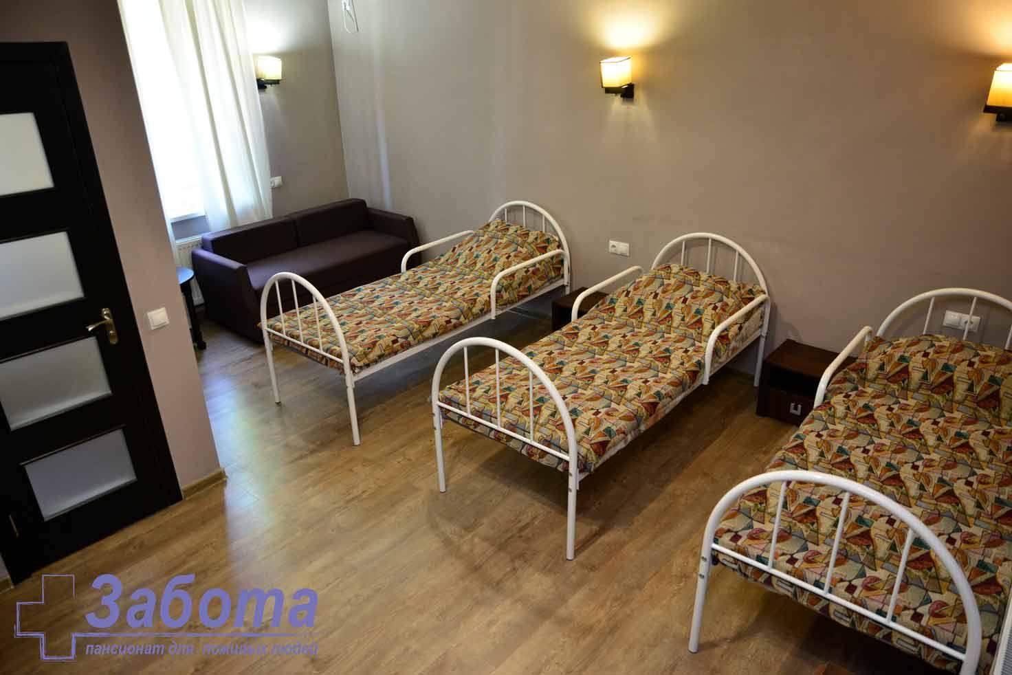 dormitoare într-un azil de bătrâni